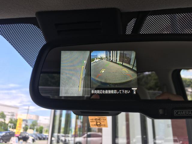 【サイドカメラ】死角の左側もカメラで確認可能。運転席から把握しづらい距離感でも表示してくれるので、安心してお乗りいただけます♪♪