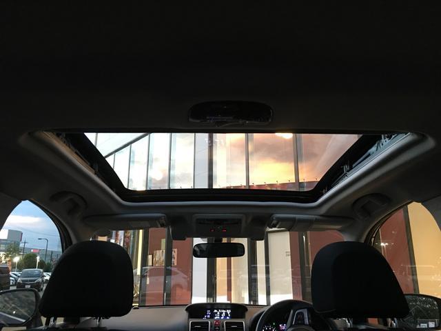 【サンルーフ】解放感溢れる【サンルーフ】☆車内には爽やかな風や太陽の穏やかな光が差し込みます☆
