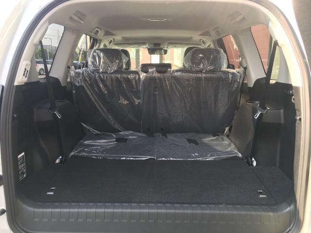 【ラゲッジスペース】サードシートを倒して大きめの荷物もしっかり積めます♪