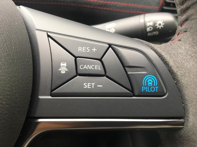 【プロパイロット】高速道路 同一車線運転支援技術。ドライバーに変わってアクセル、ブレーキ、ステアリングを車側で自動制御!