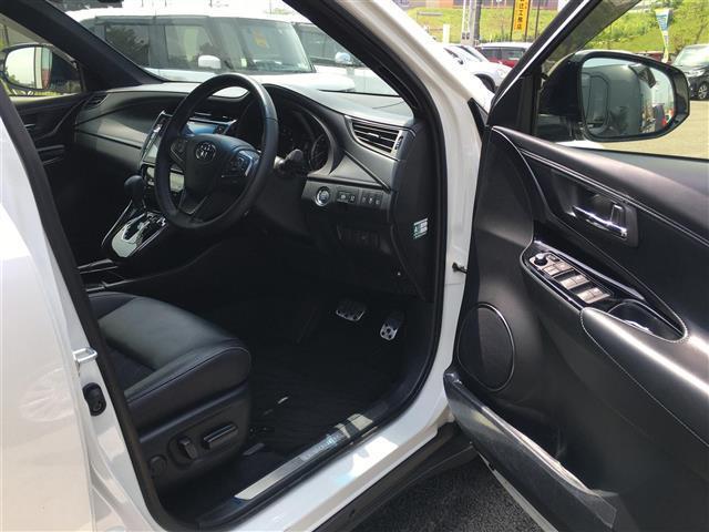 プレミアム スタイルノアール サンルーフ アルパイン10型ナビ パワーバックドア トヨタセーフティセンス ハーフレザー バックカメラ ETC フルセグ Bluetooth シーケンシャルウィンカー(18枚目)