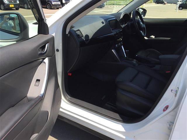XD Lパッケージ 4WD/ディーゼル/社外ナビ(CA9PA)/BOSEサウンド/ETC/クルーズコントロール/運転席パワーシート/D席N席シートヒーター/デュアルエアコン/純正フロアマット/プッシュスタートボタン(14枚目)