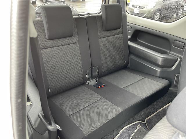 XC 4WD/5速MT/社外ナビ/AM/FM/CD/DVD/BT/ワンセグTV/社外フロアマット/電動格納ミラー/純正16インチAW/社外AW付スタッドレスタイヤ積込175/80/R16/ライトレベライザー(13枚目)