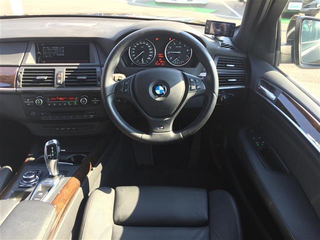 xDrive 35i Mスポーツ サンルーフ 黒革シート(3枚目)