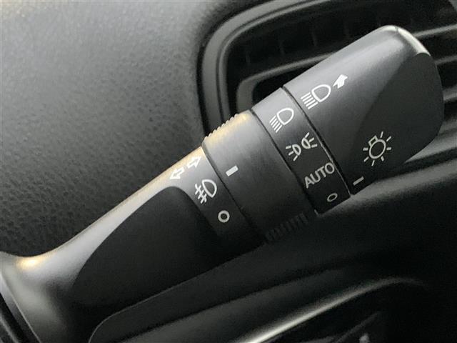 Sセーフティプラス 社外SDナビ/バックカメラ/インテリジェントパーキングアシストオートマチックハイビーム/クリアランスソナー/車両接近警報装置/クルーズコントロール/LEDライト/ステアリングスイッチ/プッシュスタート(9枚目)
