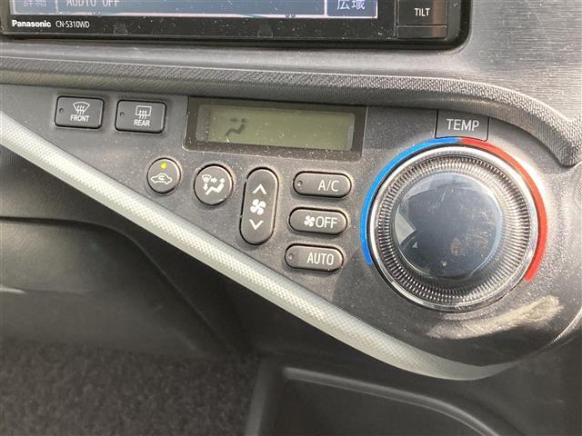 S 社外SDナビ/BT/SD/フルセグTV/バックカメラ/前席シートヒーター/純正マット/オートライト/前後コーナーセンサー/プッシュスタート/スマートキー/スペアキー/車両接近警報装置/電動格納ミラー(13枚目)