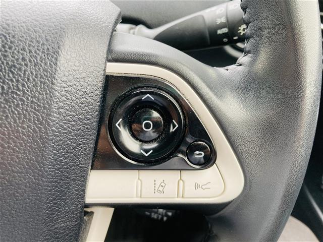 S 純正SDナビ/CD/BT/AUX/ステアリングスイッチ/ビルトインETC/クルーズコントロール/横滑り防止装置/オートライト/オートハイビーム/車両接近通報装置/車線逸脱防止/LEDライト/エアロ(13枚目)