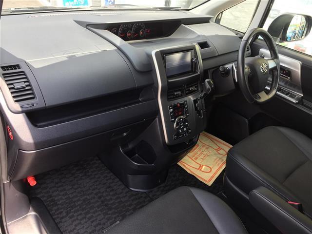 トヨタ ヴォクシー ZS 煌III メモリナビ フルセグ Bカメラ 両側電動