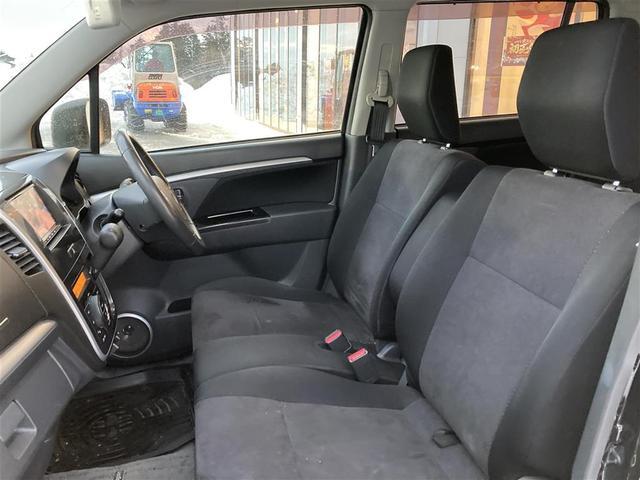 XSリミテッド 4WD/社外メモリナビ/フルセグTV/DVD/USB/Bluetooth/ETC/純正15AW/シートヒーター/HIDオートライト/フォグ/フルエアロ/プッシュスタート/スマートキー/ドアバイザー(16枚目)
