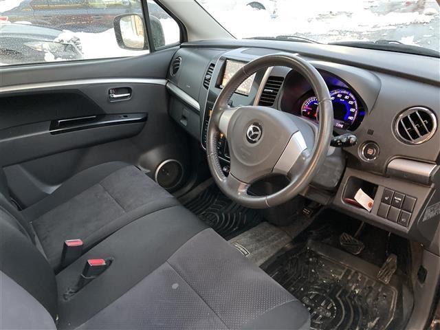 XSリミテッド 4WD/社外メモリナビ/フルセグTV/DVD/USB/Bluetooth/ETC/純正15AW/シートヒーター/HIDオートライト/フォグ/フルエアロ/プッシュスタート/スマートキー/ドアバイザー(17枚目)