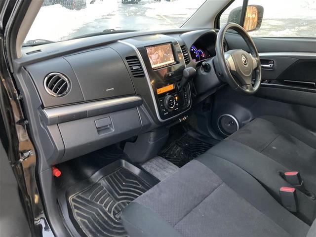 XSリミテッド 4WD/社外メモリナビ/フルセグTV/DVD/USB/Bluetooth/ETC/純正15AW/シートヒーター/HIDオートライト/フォグ/フルエアロ/プッシュスタート/スマートキー/ドアバイザー(18枚目)