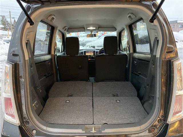 XSリミテッド 4WD/社外メモリナビ/フルセグTV/DVD/USB/Bluetooth/ETC/純正15AW/シートヒーター/HIDオートライト/フォグ/フルエアロ/プッシュスタート/スマートキー/ドアバイザー(24枚目)