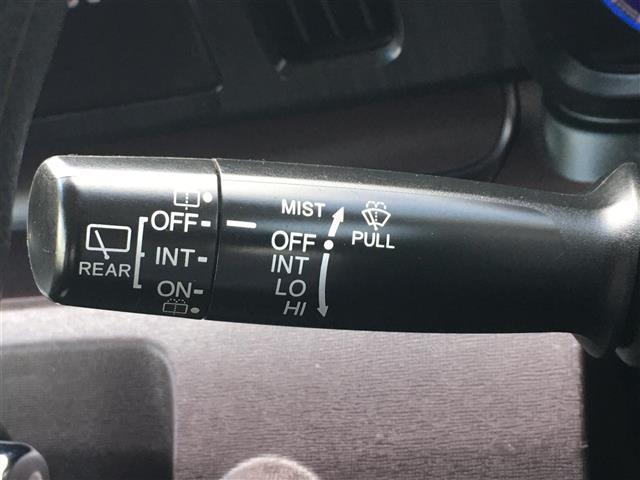 プレミアム 4WD 純正ディスプレイオーディオ BT CD USB バックカメラ 横滑り防止装置 プッシュスタート スマートキー ETC 電動格納ミラー フロアマット HID フォグランプ ウィンカーミラー(9枚目)