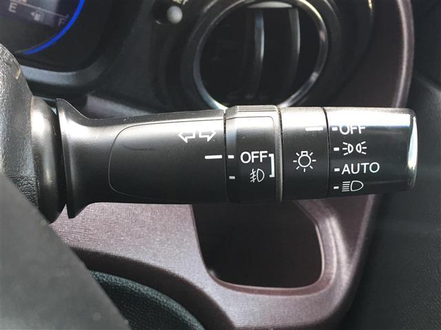 プレミアム 4WD 純正ディスプレイオーディオ BT CD USB バックカメラ 横滑り防止装置 プッシュスタート スマートキー ETC 電動格納ミラー フロアマット HID フォグランプ ウィンカーミラー(10枚目)