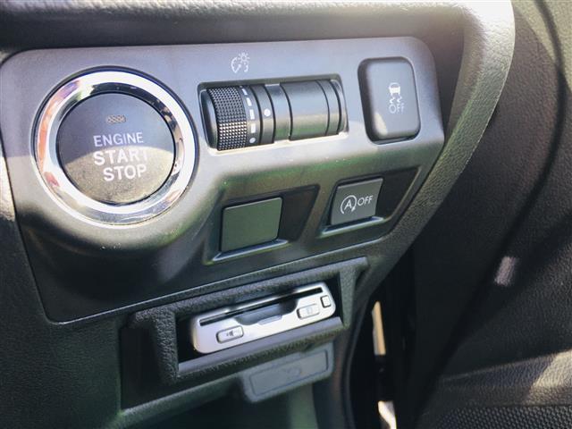 2.0i-L アイサイト 4WD/ワンオーナー/衝突被害軽減ブレーキ/レーダークルコン/パワーシート/社外メモリナビ(フルセグTV/DVD/Bluetooth/USB)/バックカメラ/ETC/パドルシフト/HID/スマキー(8枚目)