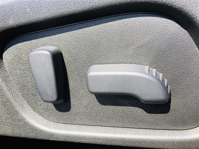 2.0i-L アイサイト 4WD/ワンオーナー/衝突被害軽減ブレーキ/レーダークルコン/パワーシート/社外メモリナビ(フルセグTV/DVD/Bluetooth/USB)/バックカメラ/ETC/パドルシフト/HID/スマキー(11枚目)