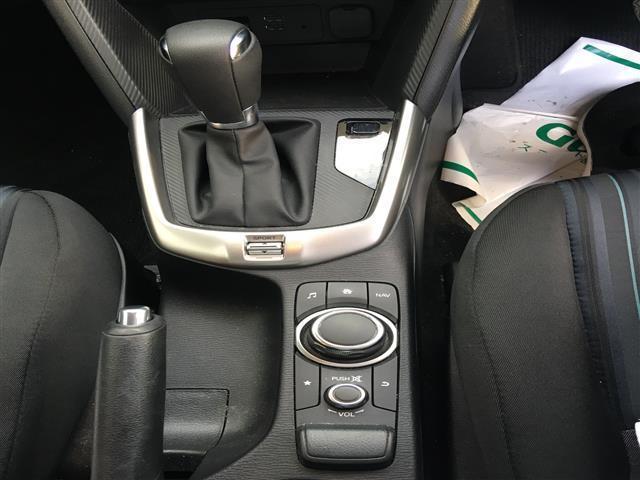 13C 純正SDナビ/Bluetooth/USB/AM/FM/ステアリングリモコン/ETC/アイドリングストップ/MTモード付きAT/スポーツモード切り替え/横滑り防止装置/プッシュスタート/スマートキー(8枚目)