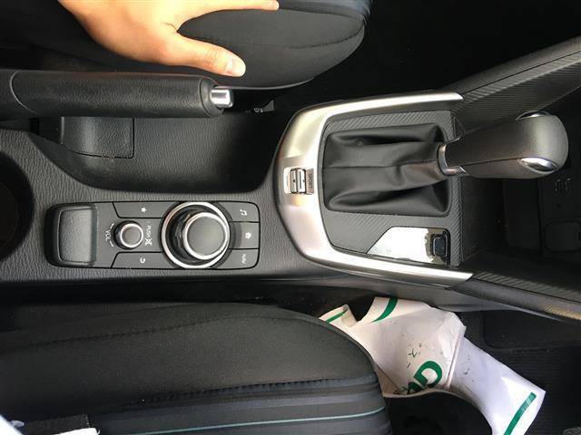 13C 純正SDナビ/Bluetooth/USB/AM/FM/ステアリングリモコン/ETC/アイドリングストップ/MTモード付きAT/スポーツモード切り替え/横滑り防止装置/プッシュスタート/スマートキー(18枚目)