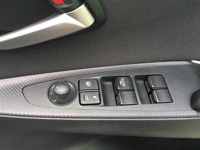 13C 純正SDナビ/Bluetooth/USB/AM/FM/ステアリングリモコン/ETC/アイドリングストップ/MTモード付きAT/スポーツモード切り替え/横滑り防止装置/プッシュスタート/スマートキー(19枚目)