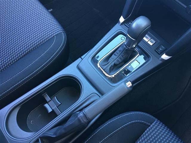 2.0i-L アイサイト 4WD 社外SDナビ フルセグテレビ バックカメラ CD DVD USB BT 衝突被害軽減ブレーキ レーダークルーズコントロール レーンキープアシスト RBM 横滑り防止装置 パドルシフト(15枚目)