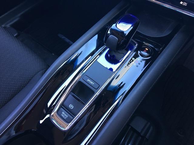ハイブリッドX 4WD 前ドライブレコーダー 純正SDナビ フルセグ クルーズコントロール バックカメラ プッシュスタート スマートキー ETC 衝突被害軽減ブレーキ 横滑り防止装置 シートヒーター(17枚目)