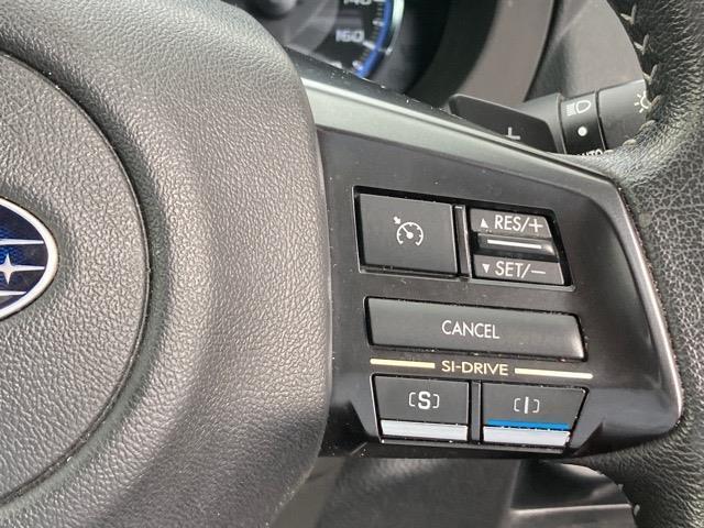 1.6GT 社外メモリナビ/フルセグ/AM/FM/BT/SD/AUX/バックカメラ/パドルシフト/クルーズコントロール/スマートキー/プッシュスタート/ETC/横滑り防止装置(9枚目)
