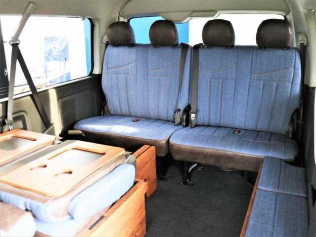 ゼロワゴンベットキットはマットの取り外しも簡単で即座に座席の状態に戻す事が可能です