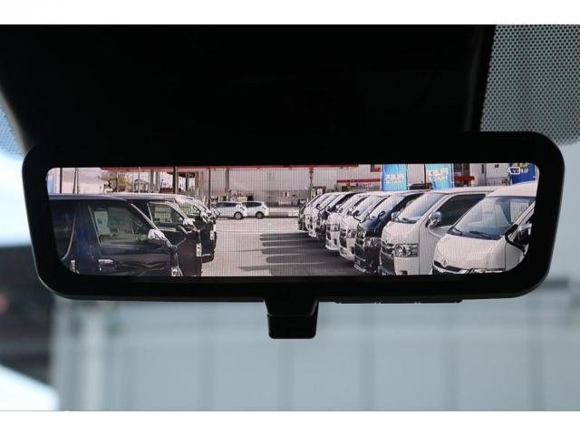 メーカーオプションのデジタルインナーミラー!後方の視界を常に確保してくれます!
