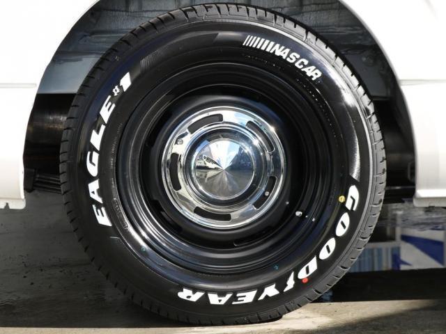 新品のグッドイヤーナスカータイヤ16インチ、ディーンクロスカントリー16インチアルミホイール装着済みとなっております!!