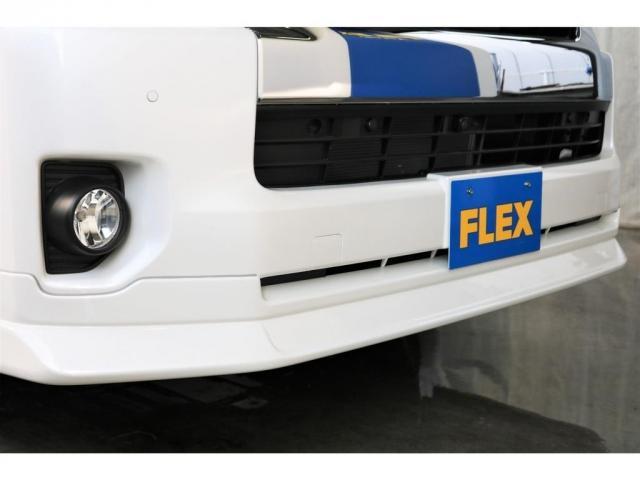 新品FLEXオリジナルフロントリップ装着!ハイエースのこの迫力をより際立たせています!