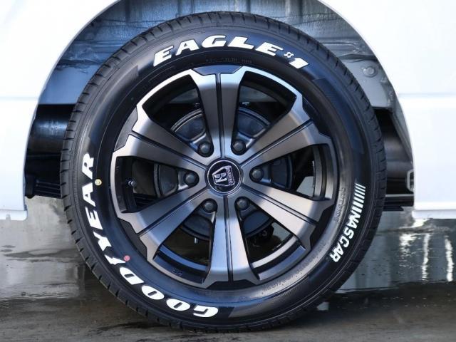 新品のグッドイヤーナスカータイヤ17インチ、フレックスバルベログランデ17インチアルミホイール装着済みとなっております!!