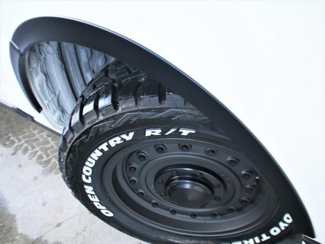 スーパーGL ダークプライムII ロングボディ クラシックオフロードパッケージ インテリジェントクリアランスコーナーソナー 衝突安全ブレーキ パノラミックビューモニター ベッドキットクラシックタイプII 2.8Lクリーンディーゼル4WD(15枚目)