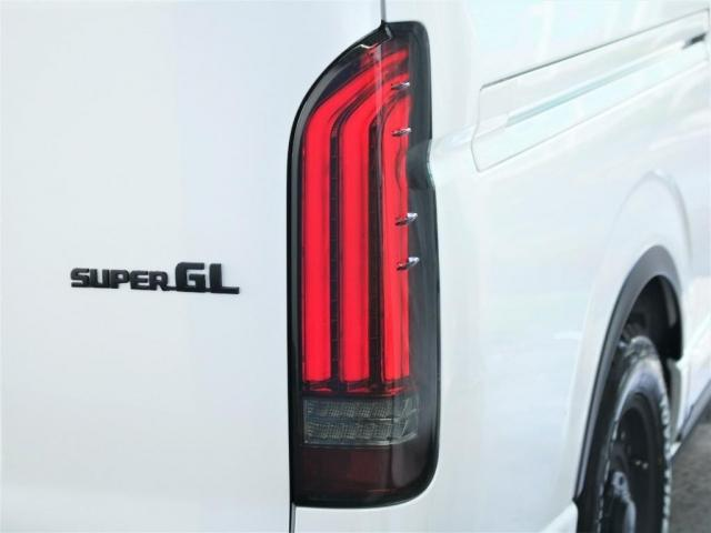 スーパーGL ダークプライムII ロングボディ クラシックオフロードパッケージ インテリジェントクリアランスコーナーソナー 衝突安全ブレーキ パノラミックビューモニター ベッドキットクラシックタイプII 2.8Lクリーンディーゼル4WD(16枚目)