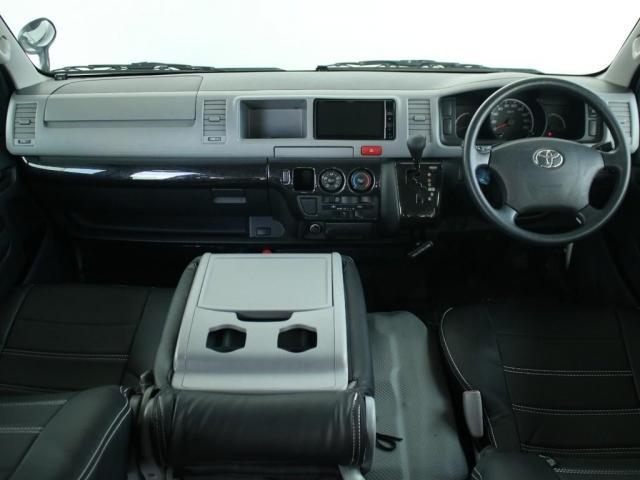 スーパーロングワイドDX GLパック レジアスエーススーパーロング ハイルーフワイドボディ 4WDガソリン車 5人乗り ベッドキット装着済み ナビ&ETC装着済み RENOCAコーストラインフェイスチェンジ テールガード装着済み(2枚目)