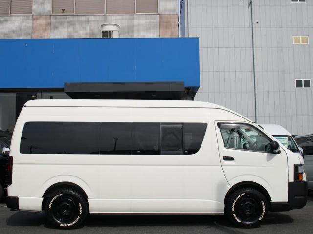 スーパーロングワイドDX GLパック レジアスエーススーパーロング ハイルーフワイドボディ 4WDガソリン車 5人乗り ベッドキット装着済み ナビ&ETC装着済み RENOCAコーストラインフェイスチェンジ テールガード装着済み(19枚目)