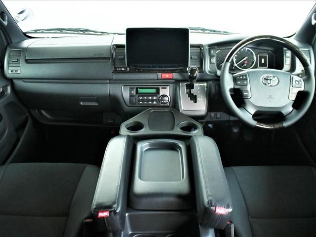 スーパーGL ダークプライムII ロングボディ MC後ハイエース ディーゼル4WD ALPINE社製BIG-Xフローティングナビ&ETC2.0搭載 AVEST社製シーケンシャルウィンカーミラー FLEXbyValenti ULTRAΣテールライト(2枚目)