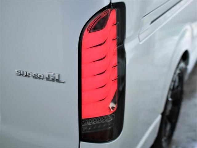 スーパーGL ダークプライムII ロングボディ MC後ハイエース ディーゼル4WD ALPINE社製BIG-Xフローティングナビ&ETC2.0搭載 AVEST社製シーケンシャルウィンカーミラー FLEXbyValenti ULTRAΣテールライト(4枚目)