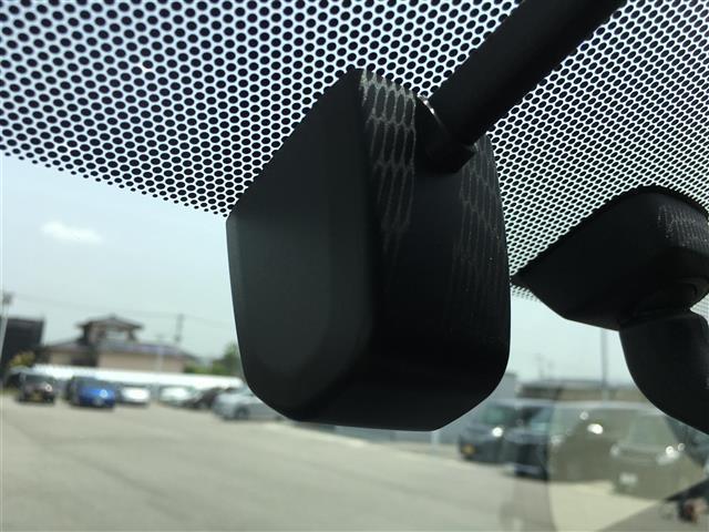 ZS 純正8型SDナビ Wサンルーフ バックカメラ 両側電動スライドドア ビルトインETC ドライブレコーダー LEDヘッドライト 革巻きステアリング アイドリングストップ ステアリングスイッチ(9枚目)