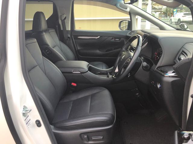 ◆左右分離型フルオートエアコン【運転席と助手席でそれぞれお好みの温度設定が可能で全席にも適切な空調をお届け致します。】