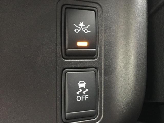 ◆インテリジェントパーキングアシスト【駐車枠を指定するだけで自動ハンドル操作を行い、枠の中への駐車をサポートします。車庫入れにも対応し、セットは専用の起動スイッチを押すだけです。】