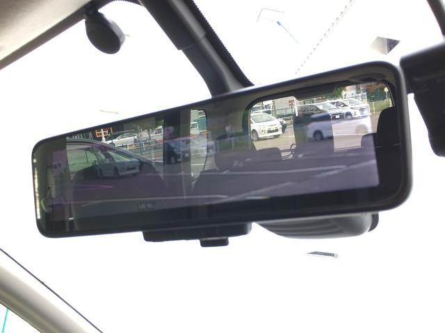 ◆アイドリングストップ【停車時にブレーキを踏むことでエンジンを停止し、燃費向上や環境保護につなげるという機能です。】◆スマートキー&プッシュスタート◆電動パーキングブレーキ◆ECOモード