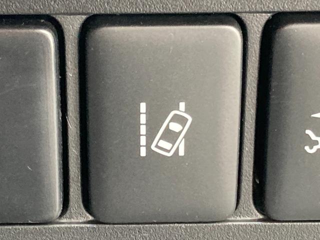 ◆車線逸脱警報システム(LDM)【単眼カメラで車線(実線・破線)を検知し、メーター内とステアリング振動の警告で注意を促すとともに、車線内に戻るようにステアリング操作を支援します。】