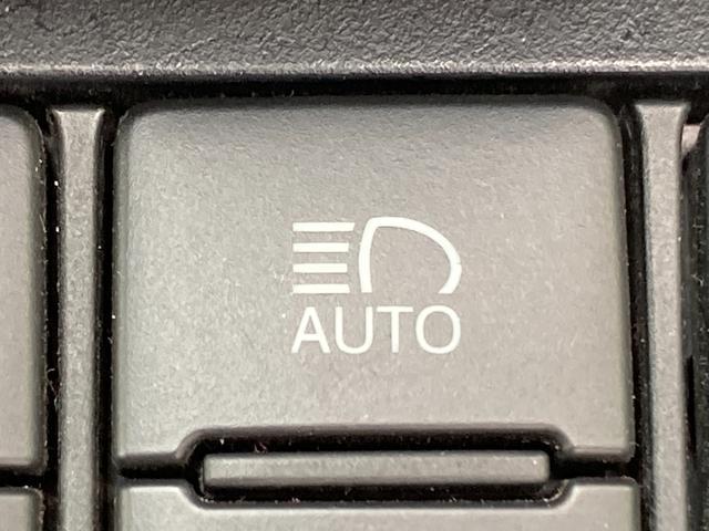◆オートマチックハイビーム【先行車や対向車のライトを認識し、ハイビームとロービームを自動で切り替える機能です!!】