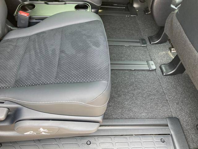 ZS 煌III 登録済未使用車 トヨタセーフティセンス プリクラッシュセーフティシステム レーンキープアシスト オートマッチクハイビーム 両側電動スライドドア スマートキー プッシュスタート ダブルオートエアコン(43枚目)