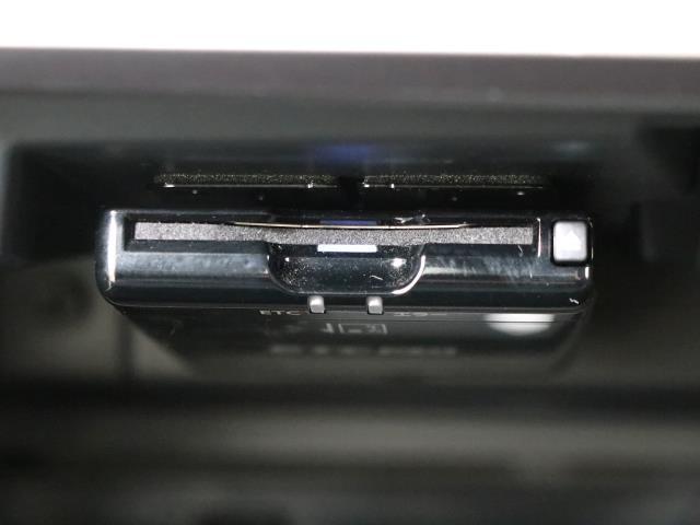 2.0i-Sアイサイト 4WD フルセグ メモリーナビ バックカメラ 衝突被害軽減システム ETC LEDヘッドランプ ワンオーナー DVD再生 ミュージックプレイヤー接続可 記録簿 安全装備 オートクルーズコントロール(12枚目)
