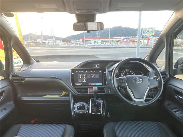 「トヨタ」「ヴォクシー」「ミニバン・ワンボックス」「兵庫県」の中古車3