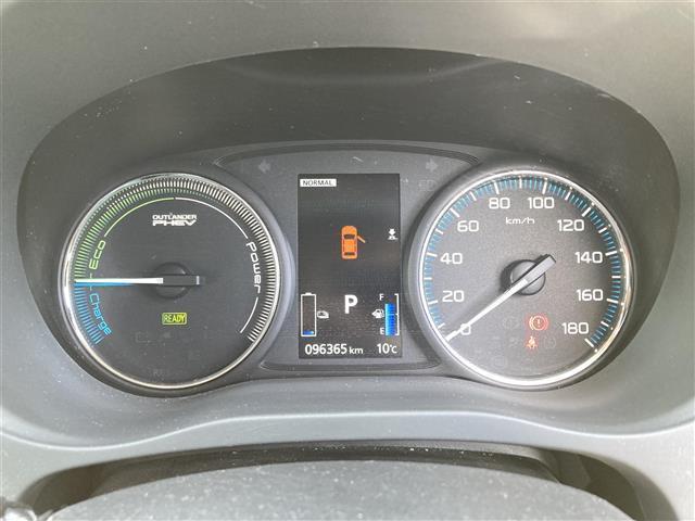 「三菱」「アウトランダーPHEV」「SUV・クロカン」「兵庫県」の中古車6