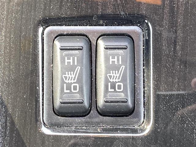 「三菱」「アウトランダーPHEV」「SUV・クロカン」「兵庫県」の中古車16