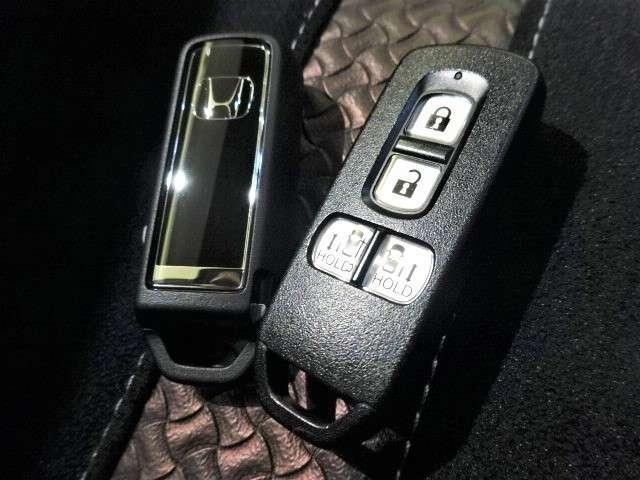 G・Lターボホンダセンシング 元レンタカー 純正ナビ 純正ドラレコ ETC Bluetooth 衝突軽減ブレーキ サイドエアバック VSA 両側PSD Rカメラ HID フォグライト パドルシフト クルコン スマートキー 純正AW(19枚目)