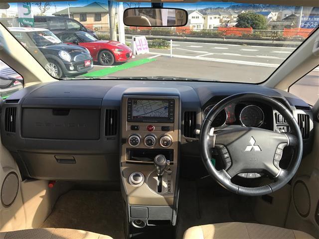 G-Premium4WDナビ両側パワースライドナビフルセグ(3枚目)